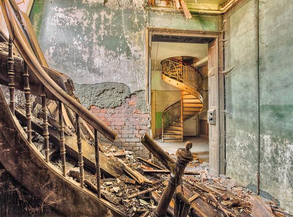 ヨーロッパの廃墟画像!寂れた建物の内観でメランコリック (22)