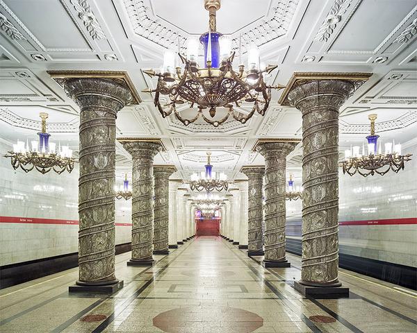 建築美!宮殿のように豪華で美しいロシアの地下鉄の画像 (7)