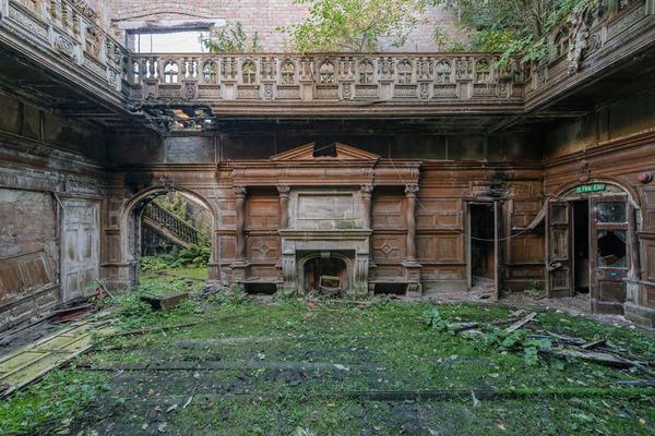 廃墟画像の不思議な魅力。放棄されたヨーロッパの建物 (3)