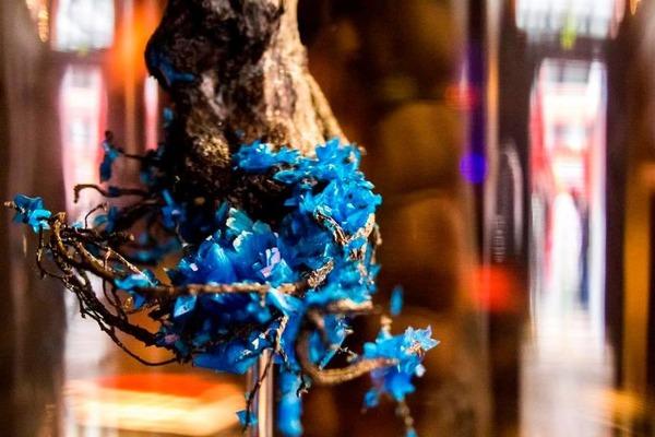 花と結晶。植物と鉱石を融合した芸術作品 (3)