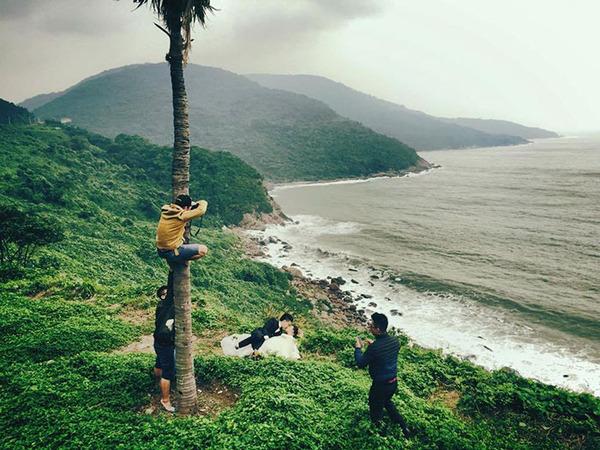結婚写真の裏で頑張るカメラマンの努力画像 (4)