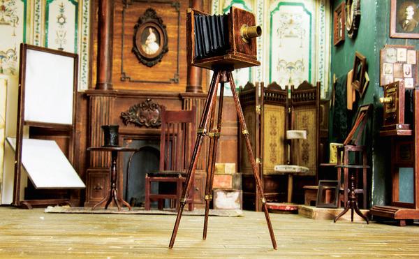 1900年代初頭の写真館をミニチュア・ジオラマ模型で再現 (11)