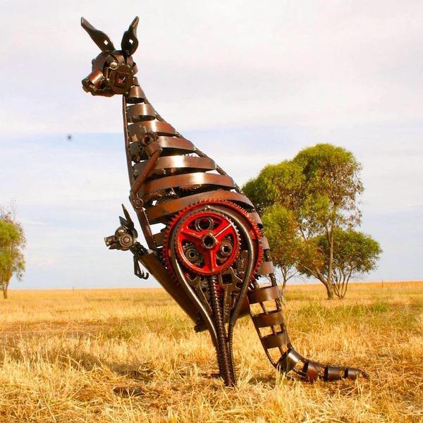 スクラップ金属で作る動物の彫刻がメカっぽくて格好良いよー (1)