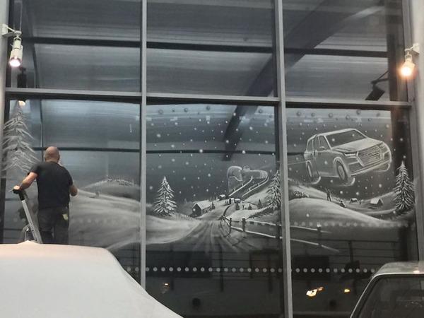 クリスマスシーズン!スノースプレーで窓に描く雪景色のアート (12)