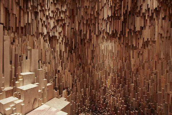 まるで異空間…!膨大な数の木片で構成された秘密の隠れ家 (10)