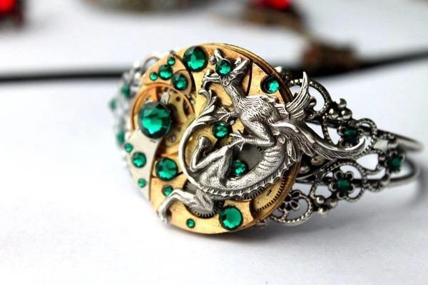 宝石や彫刻で彩られたスチームパンク風アクセサリー (11)