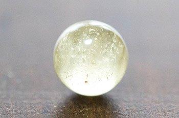リビアングラスの丸玉