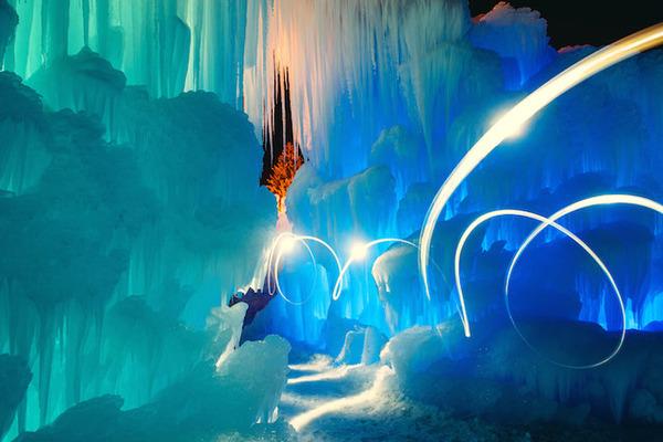幻想的な氷