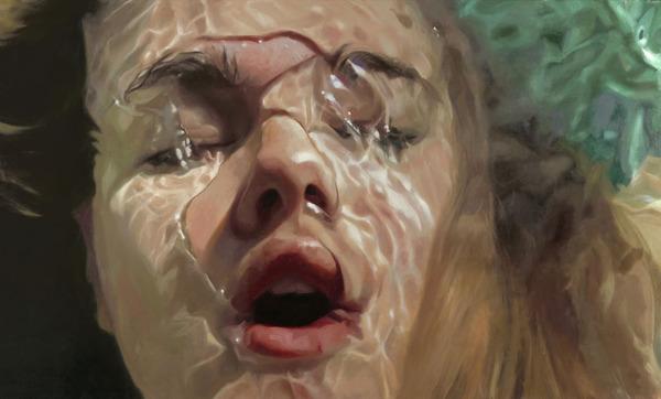 水の中の記憶。水中を漂う女性を描いた油絵 (4)