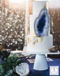 アメジストのウェディングケーキ!宝石の自然な美しさを砂糖で再現