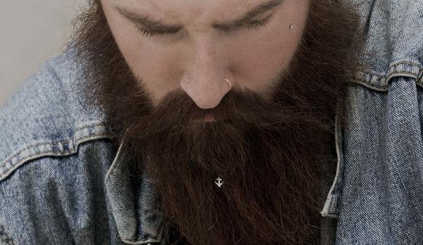 顎鬚(アゴヒゲ)愛好家のためのアクセサリー (4)