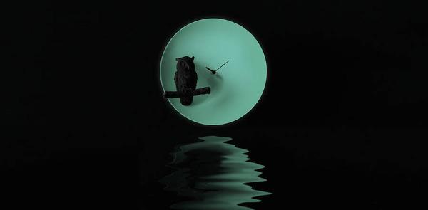 夜行性動物のシルエットが浮かぶ!月のように輝く蓄光時計 (1)