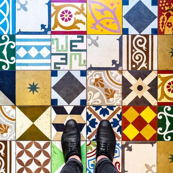 パリは床もお洒落だった!足元に広がる様々なデザインパターン (10)