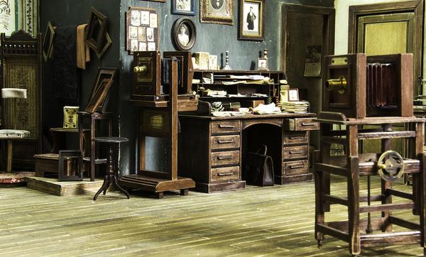 1900年代初頭の写真館をミニチュア・ジオラマ模型で再現 (9)