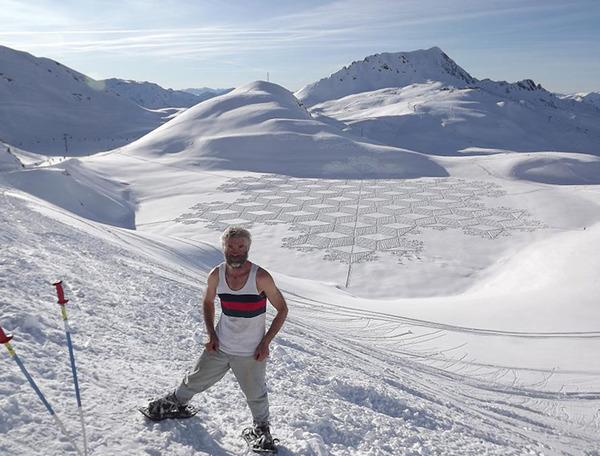 ロシアの雪原に巨大な竜の地上絵が現る!雪を踏んで描かれた竜 (4)