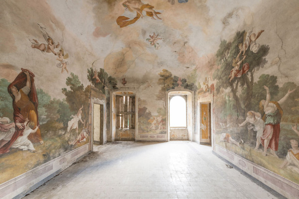 廃墟画像の不思議な魅力。放棄されたヨーロッパの建物 (11)