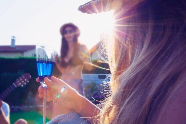 超爽やか!革新的な青いワイン『Gik』 (3)