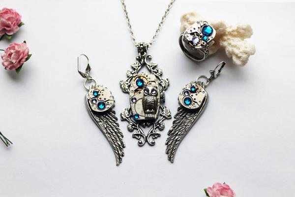 宝石や彫刻で彩られたスチームパンク風アクセサリー (14)