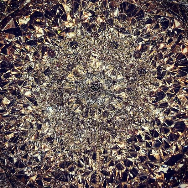 万華鏡のような美しさ。イランのモスクの建築美 (15)