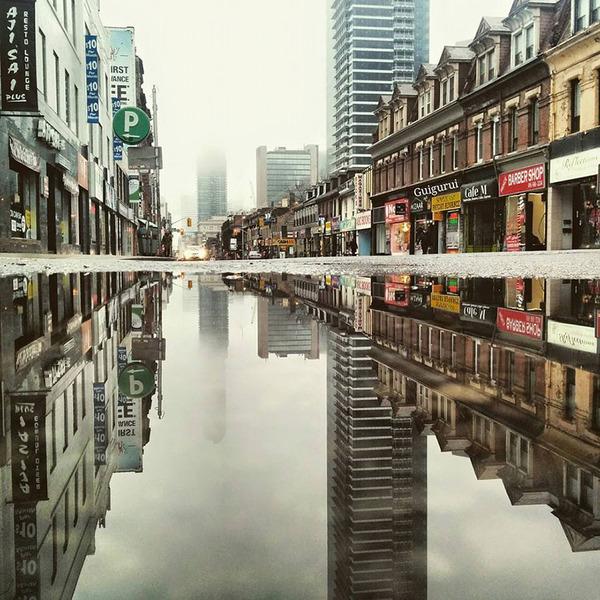 パラレルワールド!水たまりに反射する街の風景写真 (10)