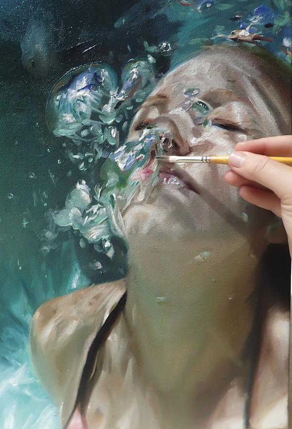 水の中の記憶。水中を漂う女性を描いた油絵 (2)