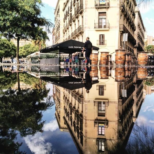 パラレルワールド!水たまりに反射する街の風景写真 (14)