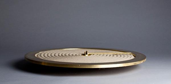 禅の庭にインスピレーションを受けて製作された「砂の時計」 (6)