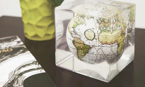 地球が回る。太陽光の力で回転する小さな地球儀『MOVA Cube』 (4)