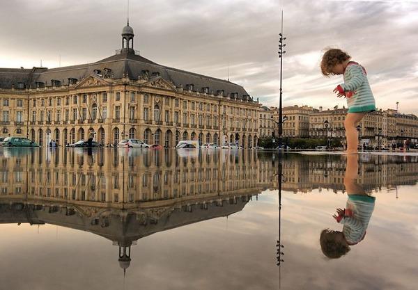 パラレルワールド!水たまりに反射する街の風景写真 (19)