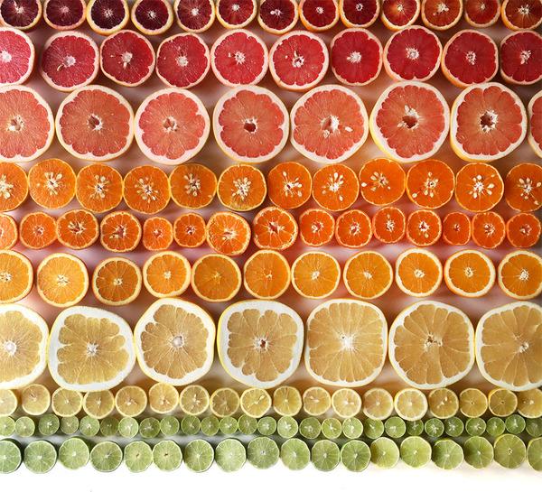 果物のカラフルなグラデーション アート写真 Brittany Wright 3