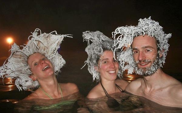 タキニ温泉の凍結ヘアーコンテンスト