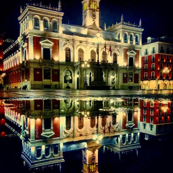 パラレルワールド!水たまりに反射する街の風景写真 (16)