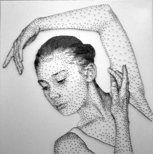 クギを打ち付けて描かれたシュワちゃんの肖像画がかっこいい! (5)