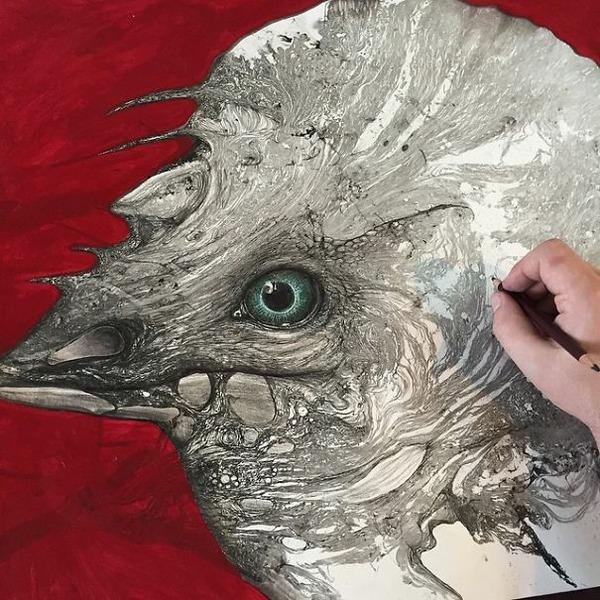 インクを注ぎ、飛び散らせてカオスなイラストレーションを描く (15)