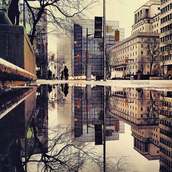 パラレルワールド!水たまりに反射する街の風景写真 (18)