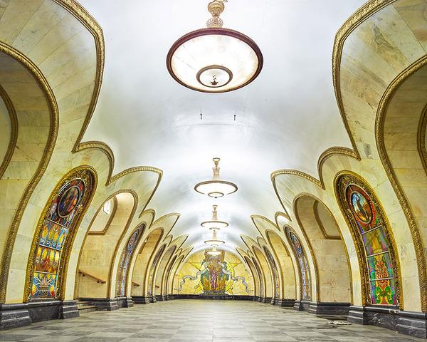 建築美!宮殿のように豪華で美しいロシアの地下鉄の画像 (5)