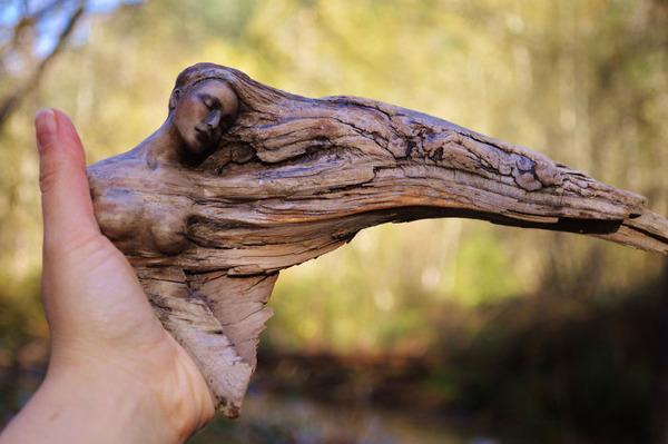 ロマサガのボスっぽい…流木に宿る女性彫刻! (9)