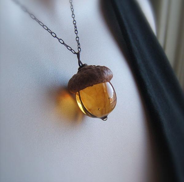 秋の季節にぴったり。ガラスのどんぐりのアクセサリー! (7)