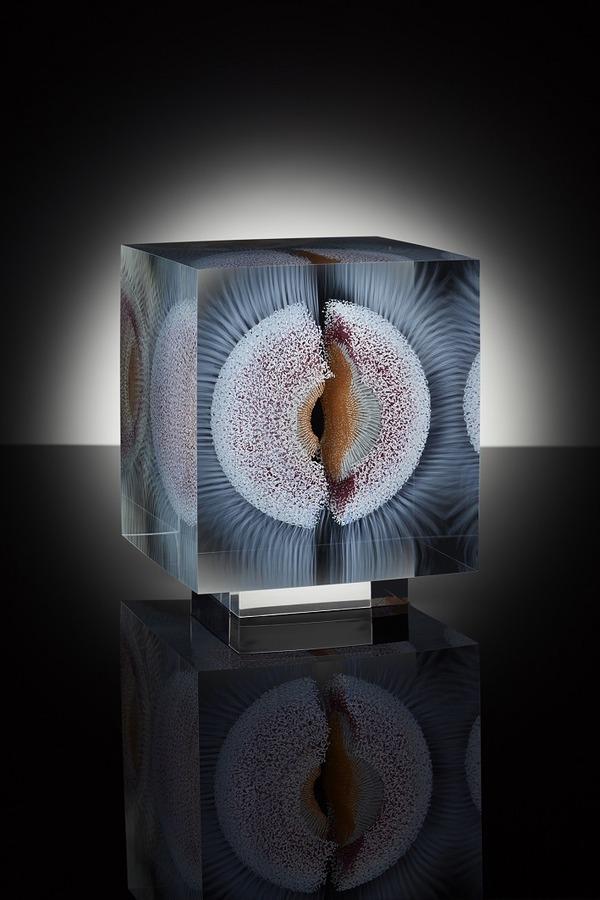 ガラスの中に絵を描く!層状に重ねられたガラス細工 (3)
