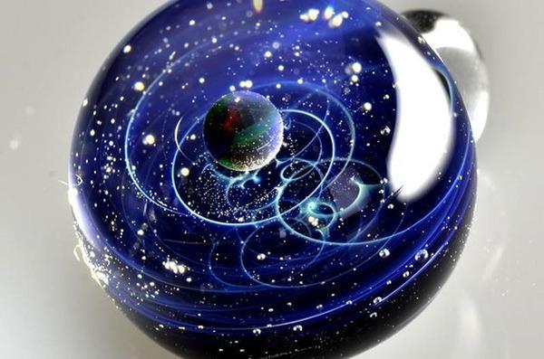 ガラスの中に宇宙!幻想的なペンダントトップ『宇宙ガラス』 (14)