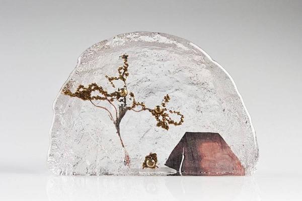 ガラスの中のミニチュア。氷に閉じ込められたような凍結世界 (7)