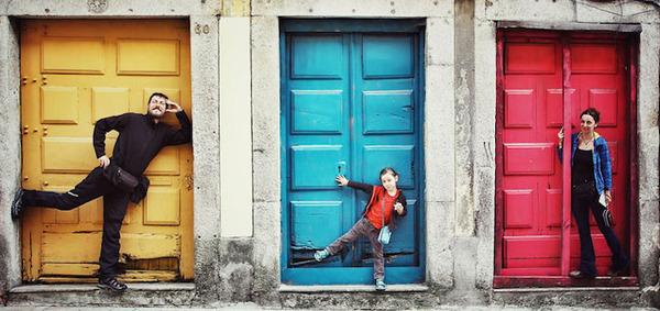 10 ポルトガルのカラフルなドア