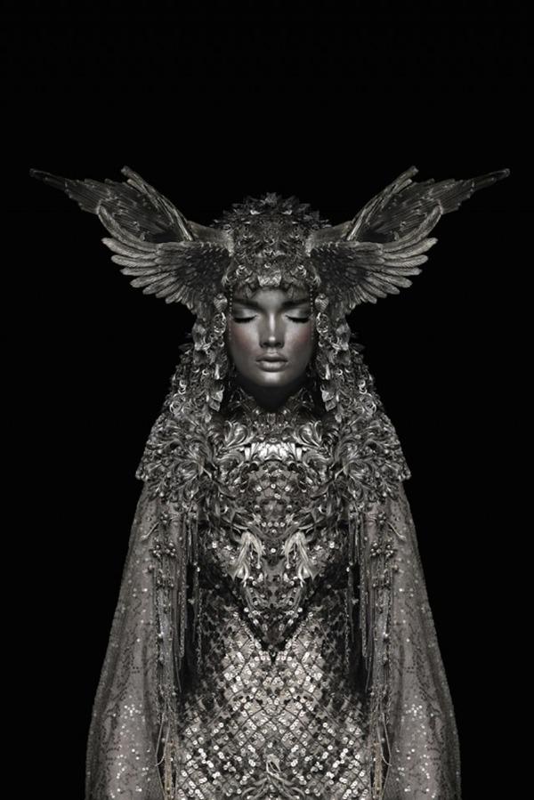 眠る美しい銀の騎士 Garjan Atwood 4