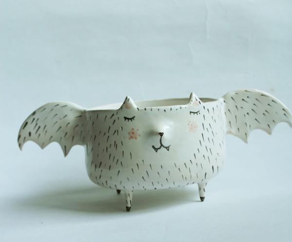 ほのぼのかわいい!瞳を閉じた動物たちの手作り陶磁器 (5)