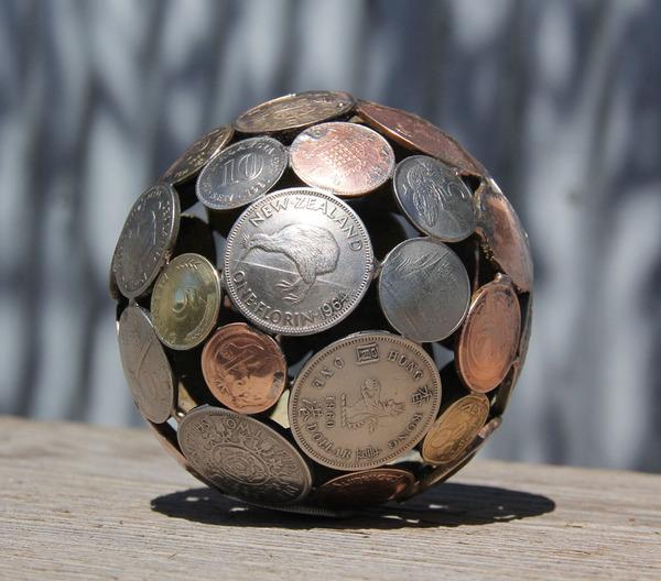 金属彫刻のリサイクルアート michael-moerkey 8