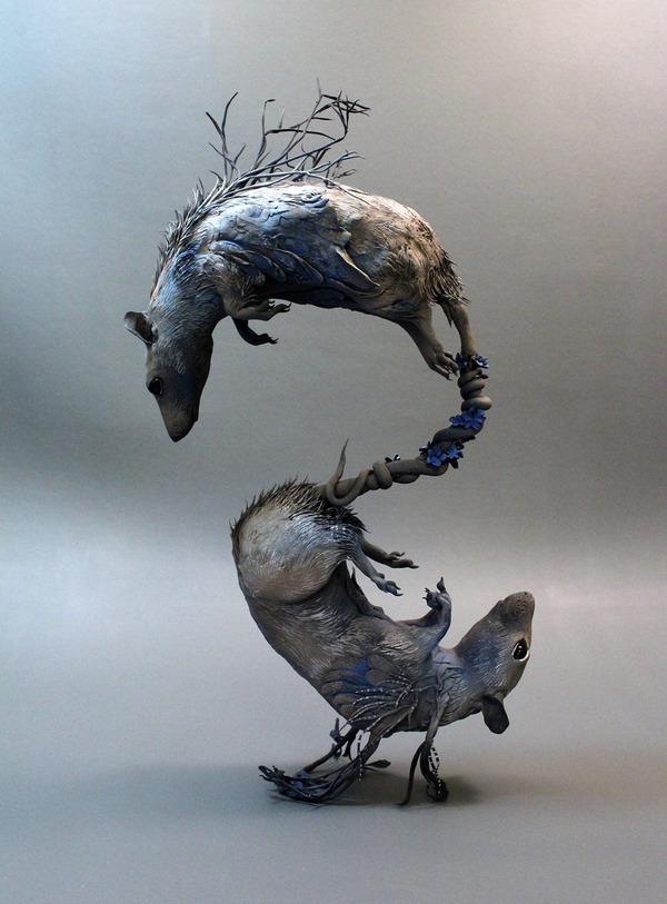 ネズミの彫刻アート