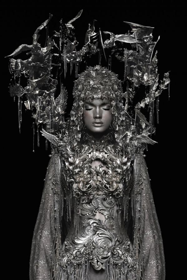 眠る美しい銀の騎士 Garjan Atwood 3