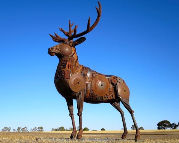 スクラップ金属で作る動物の彫刻がメカっぽくて格好良いよー (5)