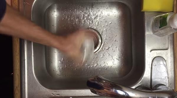 ゆで卵の殻を簡単に剥く技