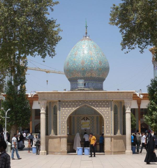 シャー・チェラーグ廟!超煌びやかなモスクの内装 (10)